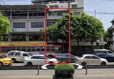 FOR RENT COMMERCIAL BUILDING PHRAKANONG / 5 beds **65,000**