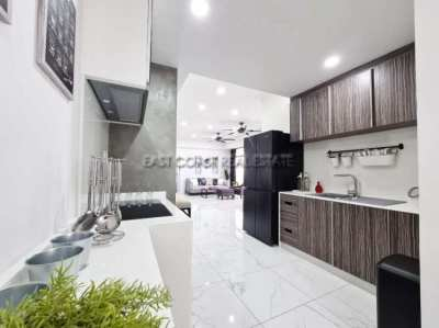 121 m2, fully renovated 2 bedrooms/2bathrooms Jomtien condo
