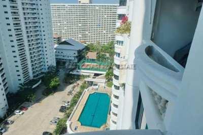 121 m2, fully renovated 2 bedrooms/2bathrooms Jomtien condo