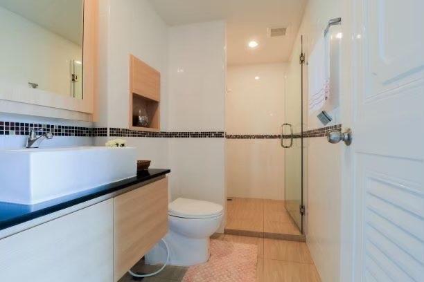 Modern 2 bedroom condo for sale