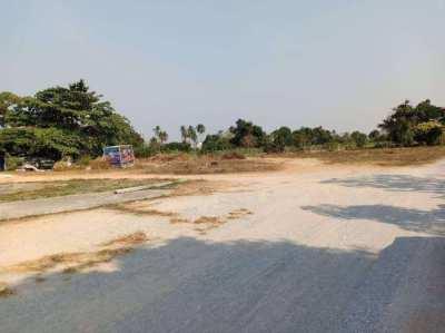 Land for sale Pattaya 8 Rai. Close to Bypass 36 near Sukhumvit road.