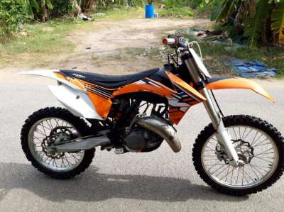 WANTED 250 2 stroke motocross bike !!!