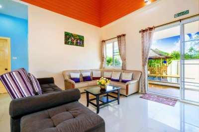 Established Villa Company For Sale / 5 Villas / 1 Reception / Land