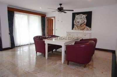 225 m2, 4 bedrooms, Pratumnak Condo