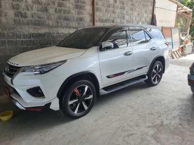 ขายรถยนต์ Toyota  Fortuner ปี 2018 อ.ปากช่อง
