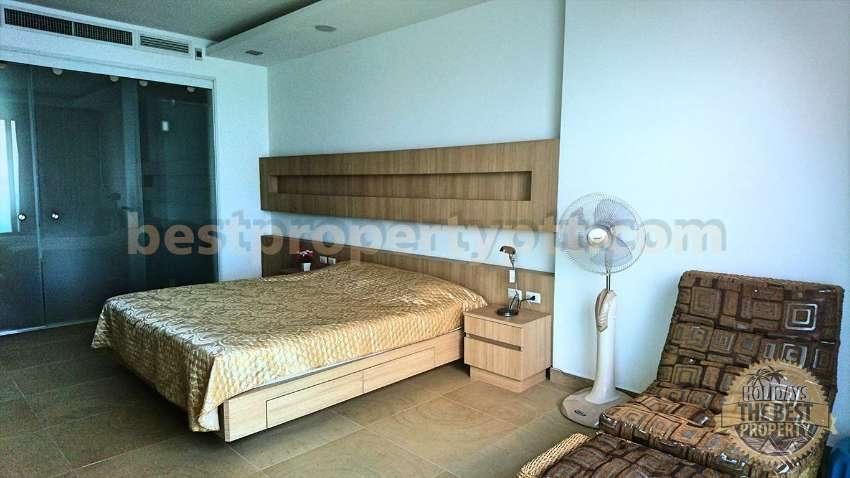 Beachfront 1 bedroom Condo in Naklua, Banglamung