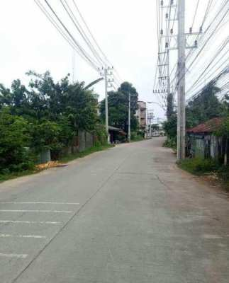 Land for sale South Pattaya, just about 150 meters from Sukhumvit road