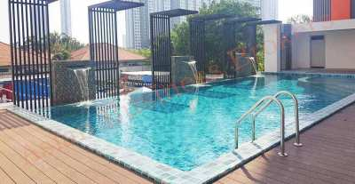 1205041 Condominium Building on Jomtien Second Road for Freehold Sale