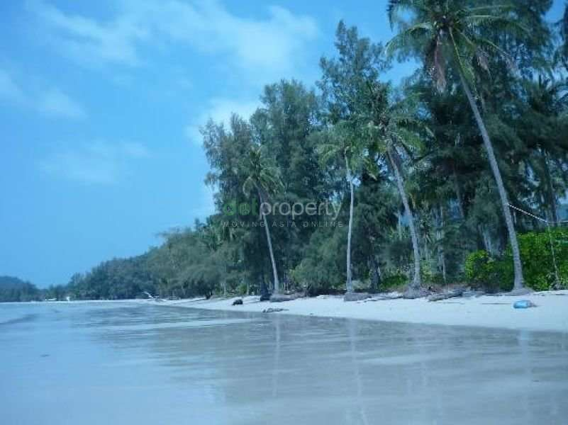 Big Beachfront land for sale / Very cheap / Trad Province / Koh chang