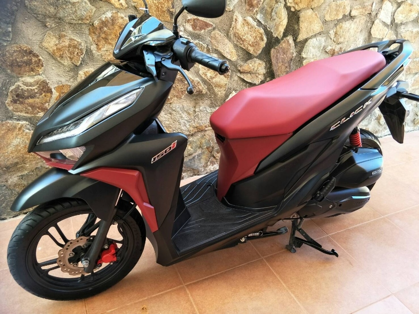 HONDA CLICK 150i  2019 only 6,575 km. Sales 49,900฿ reduce price, !