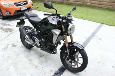 Honda CB300R For Sale - Moving to UK so reluctant sale
