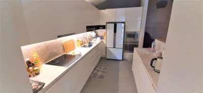 ???? 4-Bed Modern Designer Villa at Excellent Location