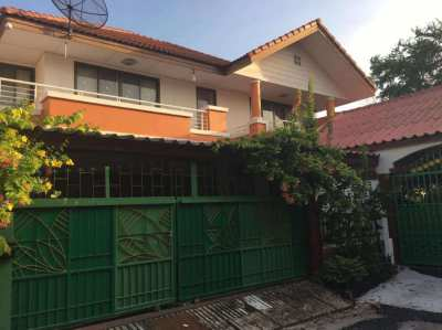 Spacious 4 bedroom family house on the outskirts of Bangkok.