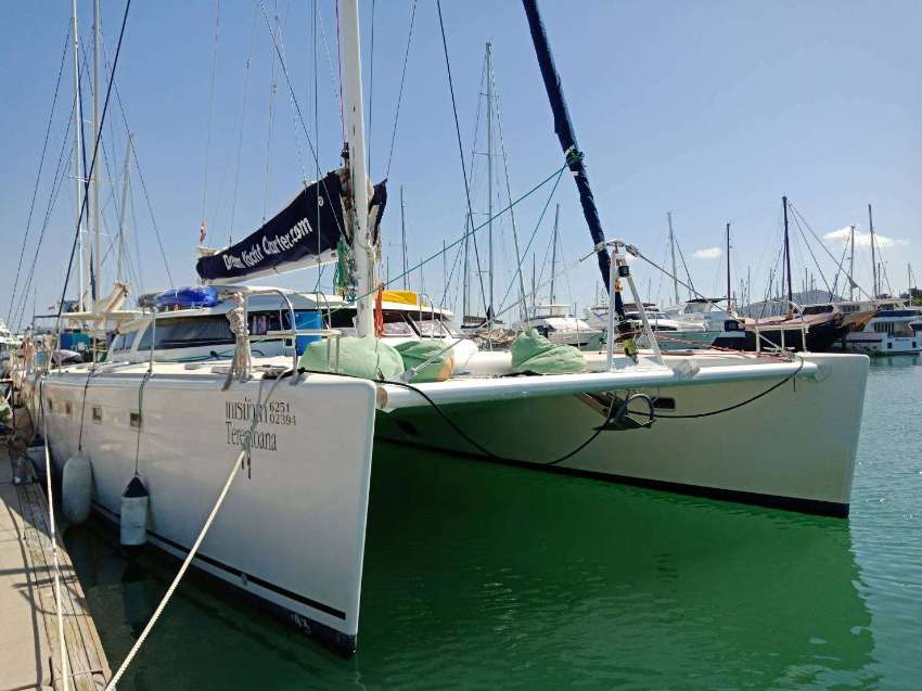 Catamaran Fountaine Pajot Marquise 56