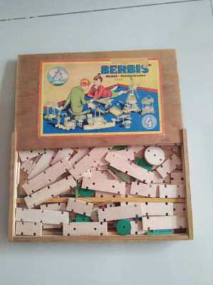 Vintage Berbis construction toy box