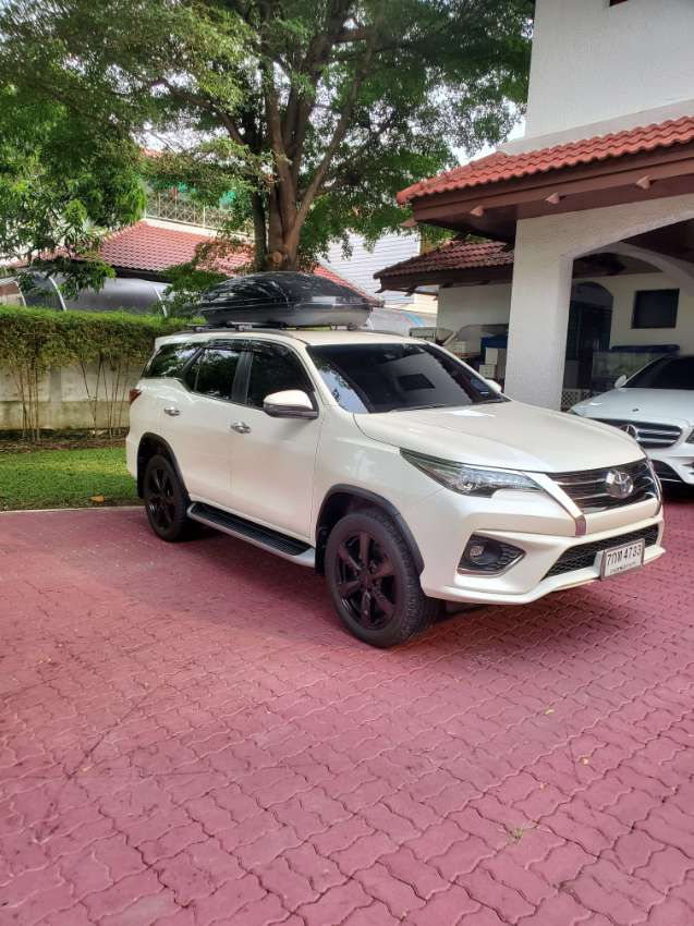 Toyota Fortuner TRD 4WD like new