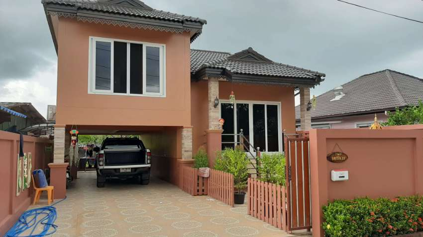 BARGAIN!!!!!!!! 1 1/2 STORY HOUSE FOR SALE in HUA YAI