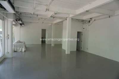 124 Sqm Commercial Space Chidlom for Rent