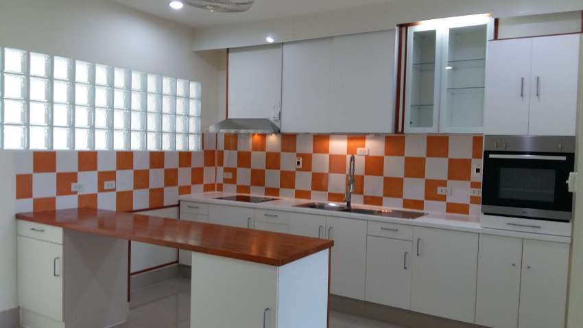 Spacious Shophouse for Sale/Rent in Banchang