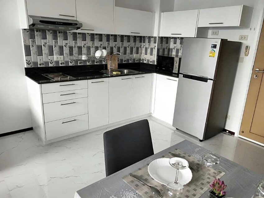 One Bedroom Condo For Rent in Pattaya Center Location