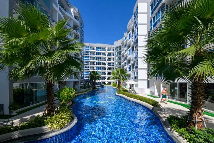 Grand Avenue Residence - Lowest Priced 1 Bedroom - Fully Furnished