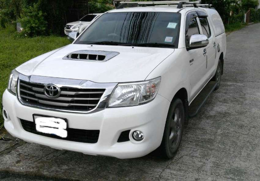 toyota hilux vigo 2013 mt for sale  pick up trucks for