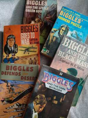 Biggles! - 6 paperbacks by Capt W.E. Johns