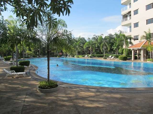 CR1842 View Talay 2A Studio for rent