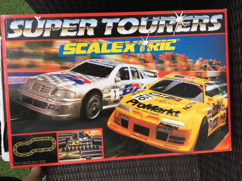Scaleltric set and cars