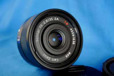 Sony Carl Zeiss Sonnar T* 35mm F2.8 ZA FE Prime Fixed Lens