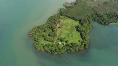 Beachfront Private Land For Sale 6.9/rai At Trat.