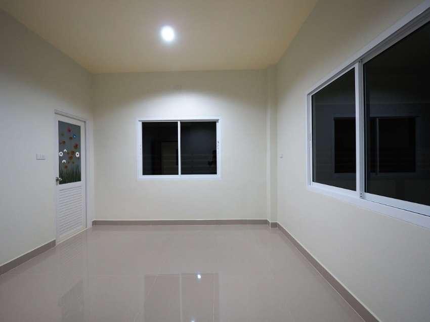 Beautiful spacious houses between 2.2 and 2.8 mb close by Pattaya.