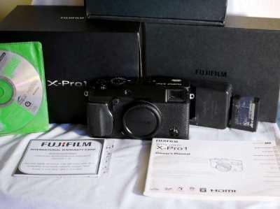 Fuji Fujifilm X-Pro1 Digital Camera in Box