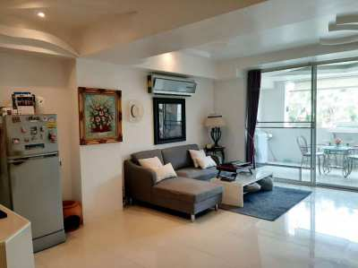 3 Story Jomtien Beachfront Townhome Rental: Reduced to 35,000 THB P/M