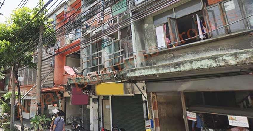 0133023 3-Level Single Shophouse near Phra Khanong BTS for Rent