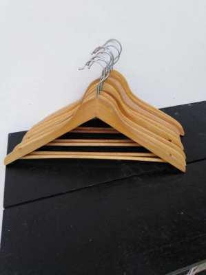 clothes hanger wood 10 pieces 100 bath