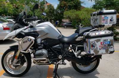 BMW R1200GS       LIKE NEW   9,700 km 550,000 Keyless Start