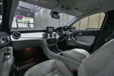 Benz GLA200 Urban