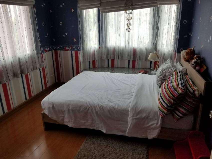 Beautiful 4 bedroom house near Fashion Island Mall.