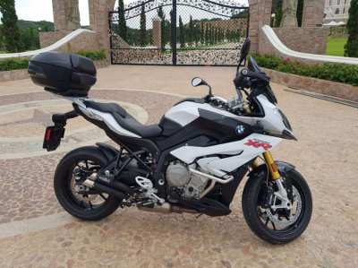 BMW S1000 XR with many extras
