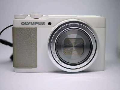 Olympus Stylus XZ-10 26-130mm f1.8-2.7 lens
