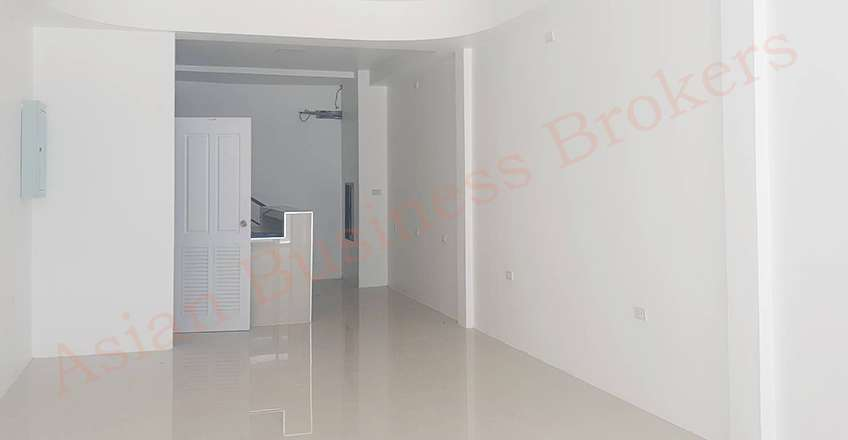 1202124 2-Level Shophouse Off Walking Street Pattaya for Rent Only
