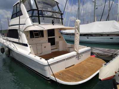 Sportfish flybridge cruiser 48 Riviera
