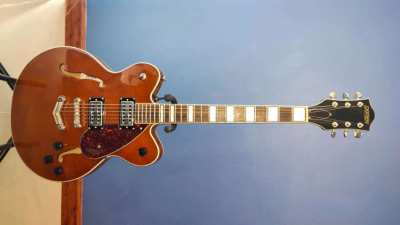 Gretsch Semi Hollow 2622 Guitar.