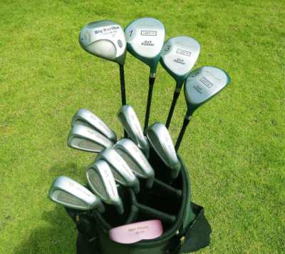 Full set of Golf Planner Tobunda clubs in bag