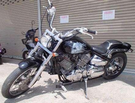 Yamaha XVS 1100 Custom