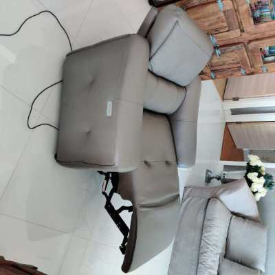 LEATHER RECLINER 1 SEATER  2 unit