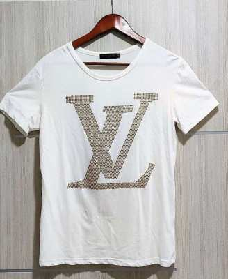 LOUIS VUITTON T-shirt ⚡ Authentic ⚡ Used ???? 50