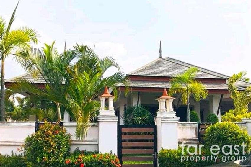 Baan Dusit Pattaya Lake Pool Villa