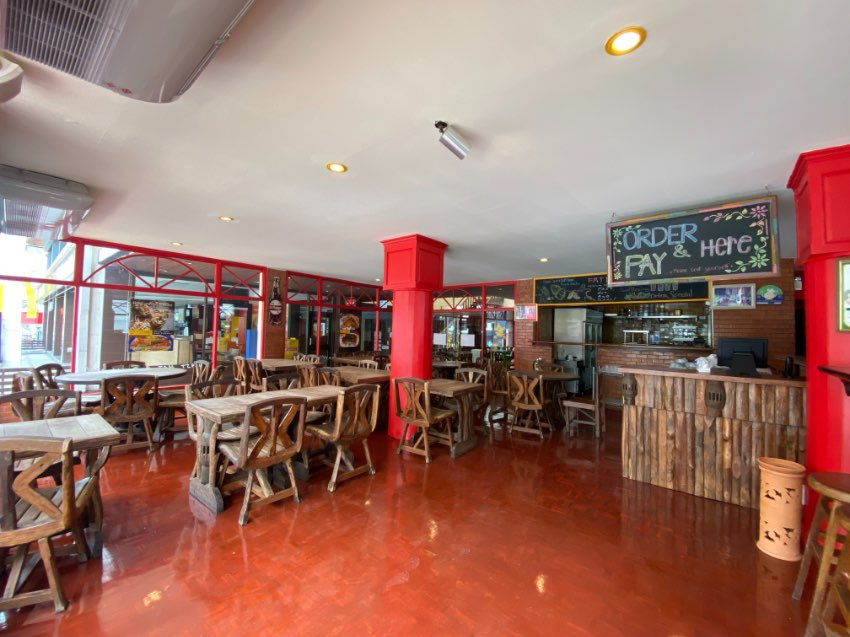 Top Tier Restaurant in Prime Location